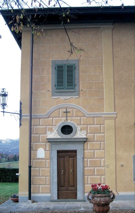 Chiesa con finte bozze esterne