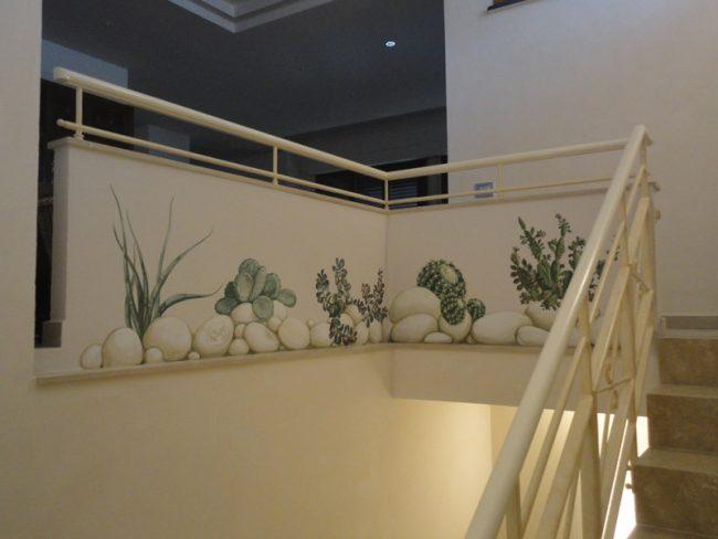 Decori con piante grasse sulle scale - Maurizio Magretti