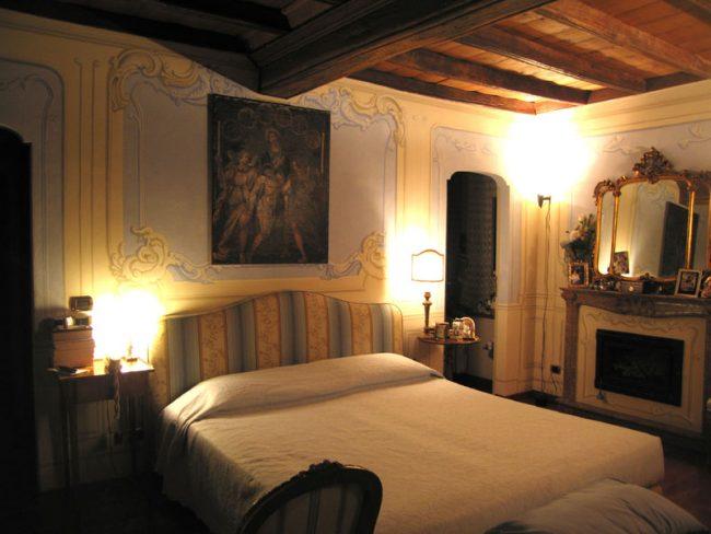 Boiserie - testata letto - Torino