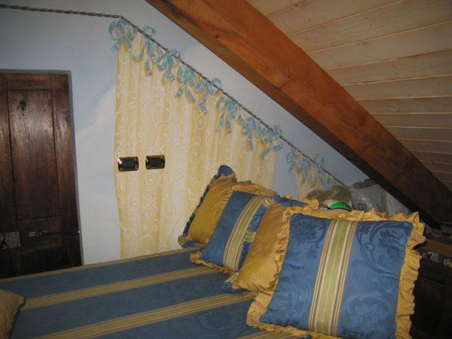 Finte tende su parete