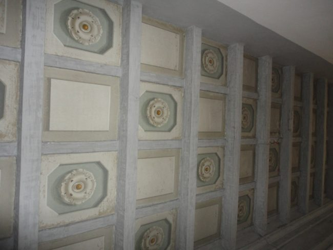 Soffitto a cassettoni patinati