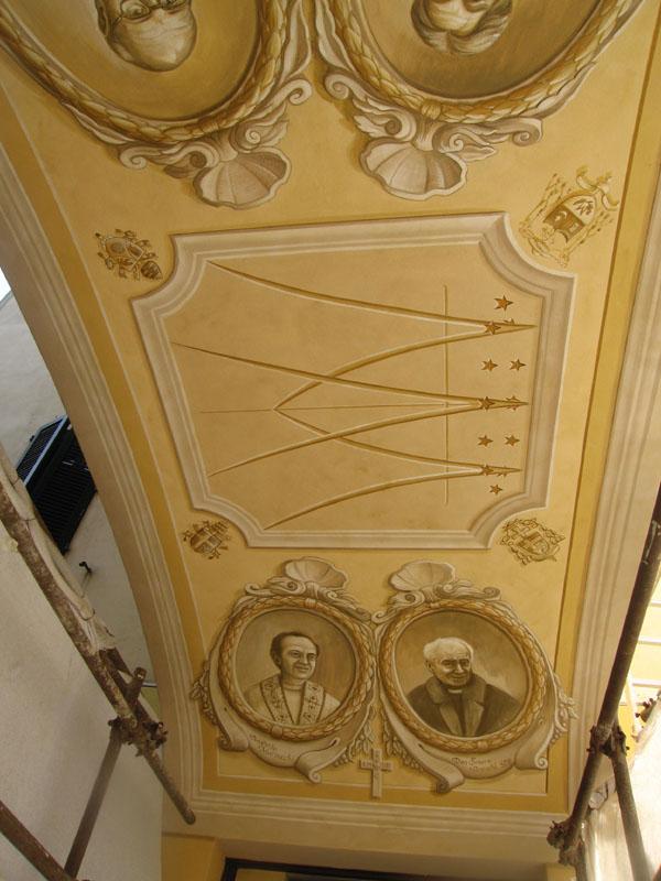 Decori con ritratti su soffitto - Ospizio misericordia Fauglia (PI)